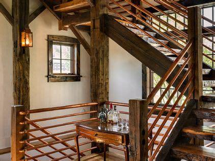 Einfamilienhaus Rustikale Holztreppe by Rustikale Treppe Im Wohnbereich Kupfergel 228 Nder Und
