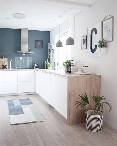 table cuisine bois blanc kitchen cuisine blanc bleu bois hotte intox tapis plante