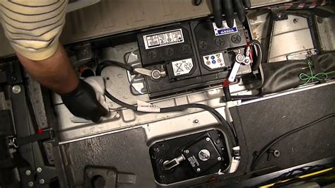 Volvo S80 Battery by 2004 Volvo Xc90 2 5l Fwd How To Change The Battery