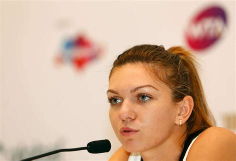 Simona Halep Photo Gallery and Forum