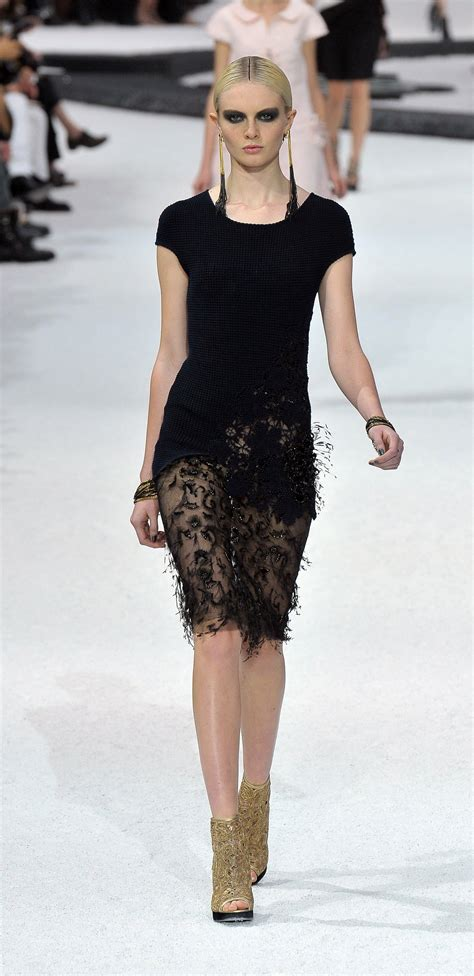 chanel  spring paris fashion week show pictures