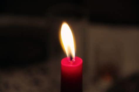 photo de bougie allumee ombre chandelles bougie allum 233 e illumin 233 e t 233 l 233 charger des photos gratuitement
