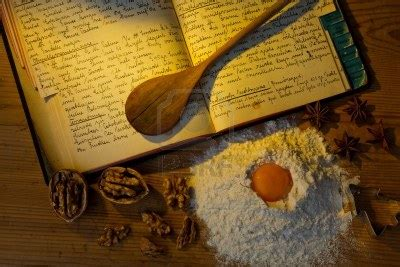 livre ancien de cuisine 11153911 un livre de cuisine anciens manuscrits avec des