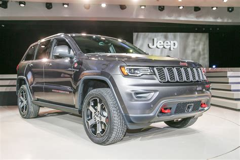 jeep grand cherokee review  rating motor trend