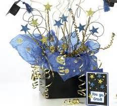 s korner graduation centerpiece and card