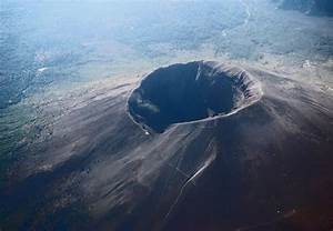Infamous Mount Vesuvius: One of the World's Most Dangerous ...