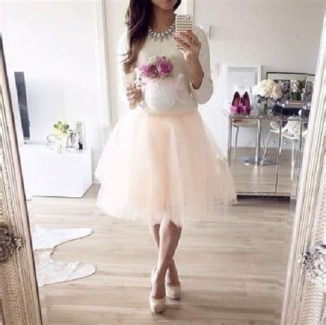 The 25+ best High tea outfit ideas on Pinterest | Afternoon tea outfit summer Tea party hats ...