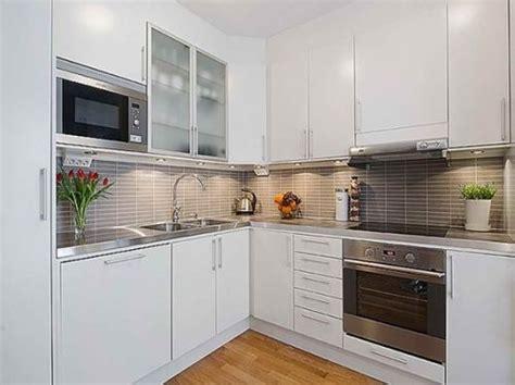 cocinas modernas  gabinetes color blanco cocinas