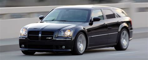 reasons enthusiasts love  dodge magnum