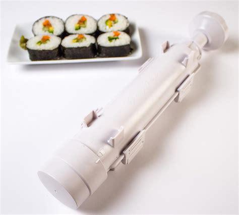 cuisiner des sushis un ustensile pour faire des sushis et des makis maison
