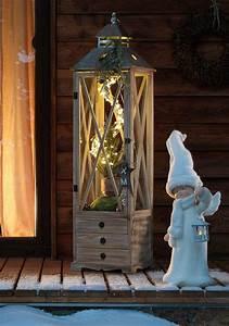 Laterne Groß Für Draußen : eine klassische gro e holzlaterne mit warmem led licht macht sich als stimmungsvolle ~ Yasmunasinghe.com Haus und Dekorationen