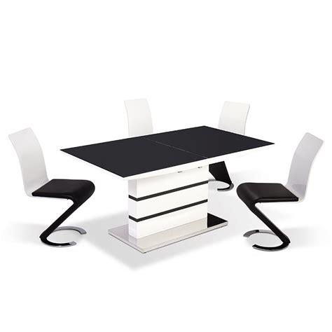 chaise noir et blanc deco in table 4 chaises design noir et blanc