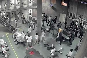 Video Shows Cook County Jail Brawl That Led To Stabbings ...