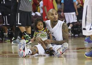 Chris Brown Photos Photos - Chris Brown Plays Basketball ...