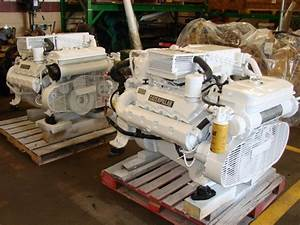 Pair Of Cat 3208 Marine Engines 435 Hp 1z30051  Co8980