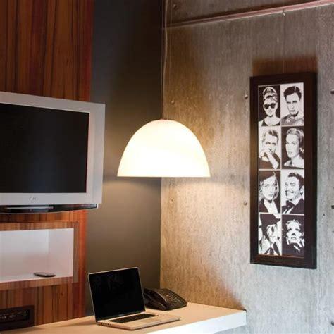 accrocher tableau mur beton accrocher des tableaux sur des murs de b 233 ton brique ou papier peint d 233 conome