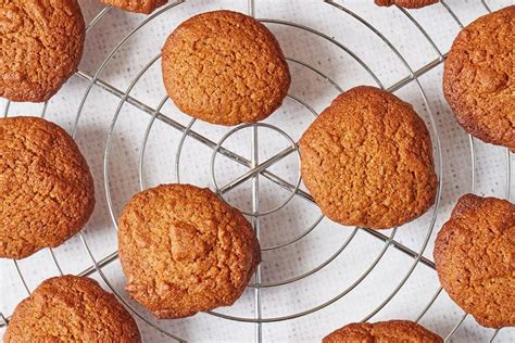 I love this sugar cookie recipe! Honey and cinnamon spelt cookies | Honey cookies, Cookie ...