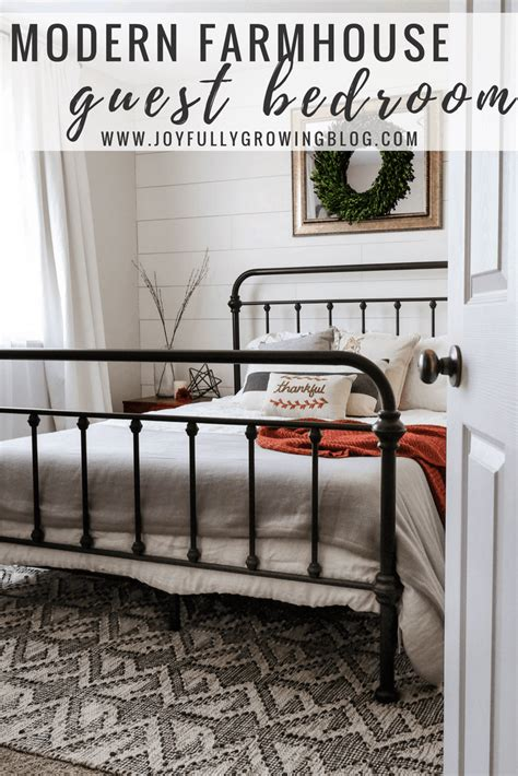 style  modern farmhouse guest bedroom
