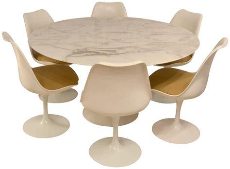 chaise pied tulipe chaise tulipe sur espaces moderne et intérieurs
