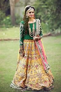 New Mehndi Dresses 2017 for Bride by Pakistani Designers