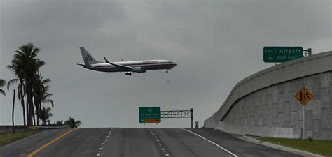 lauderdale fort airport outage flight airports fll sun sentinel runway fl radar sfl fire internet