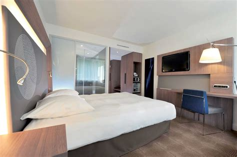 novotel unveils its innovative guest rooms with novotel bangkok fenix ploenchit