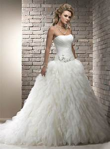 38 absolutely stunning wedding dresses with fluffy skirt With stunning wedding dresses