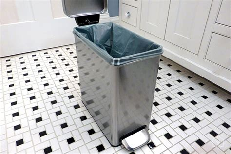 Slim Bathroom Trash Can With Lid by Home Design Classic Slim Bathroom Trash Can With Lid 19