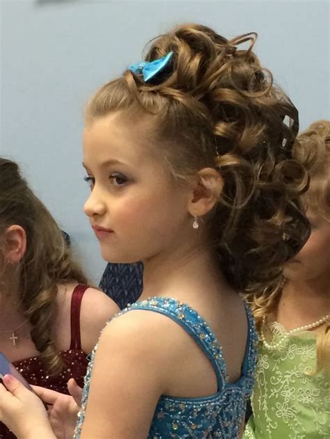 stunning curly hairstyles  kids feed inspiration