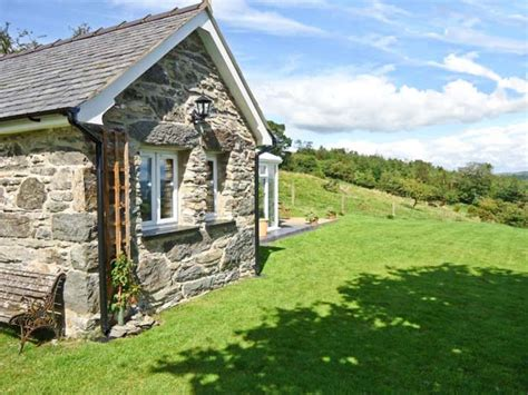 Ty Bach Bala Dinmael Self Catering Holiday Cottage