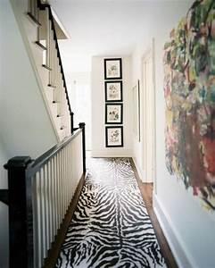 Le tapis de couloir moderne 20 idees design for Tapis de couloir avec canapé lit usage quotidien