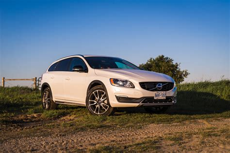 review  volvo  cross country canadian auto review