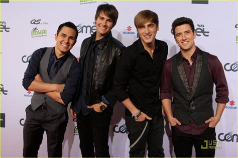 One day kendall knight, james diamond, carlos garcia and logan mitchell were just playing hockey and trying to pass math, and the next they're on their way to l.a. VIVA Comet Awards 2011 Get A Big Time Rush   Photo 419464 - Photo Gallery   Just Jared Jr.