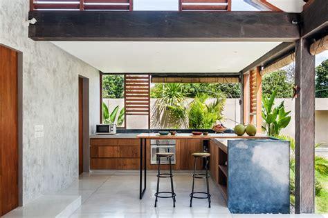 modern tropical kitchen design ren 233 kroondijk de la viesca builds tropical anggana 7779