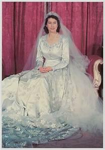 princess elizabeth british royal weddings photo With wedding dress of princess elizabeth