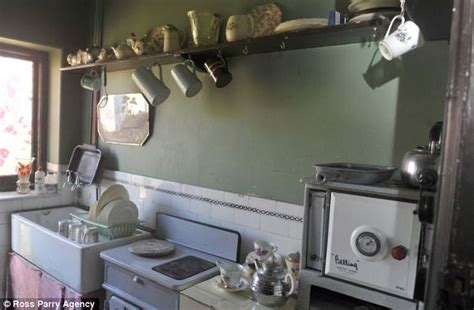 1930 homes interior inside the 1930s house of blackpool 39 s aaron whiteside daily mail