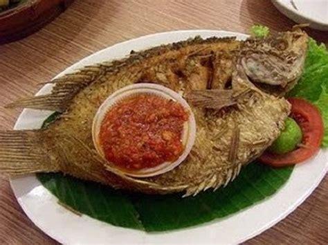Ikan kerapu goreng sweet sour cara minah! Resep Membuat Ikan Gurame Goreng Kering Renyah Dan Gurih