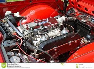 Classic British Car Engine Bay Stock Images - Image: 9155554