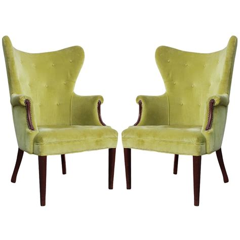 pair of mid century wingback lounge chairs at 1stdibs