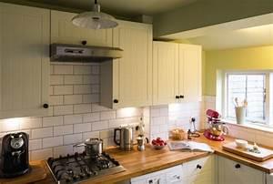Metro Fliesen Küche : k che streichen 60 vorschl ge wie sie eine cremefarbige k che gestalten ~ Sanjose-hotels-ca.com Haus und Dekorationen