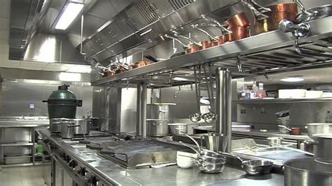 contents  catering kitchen    hammer