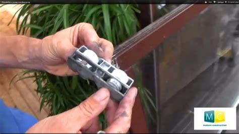 coulisse tiroir cuisine roulettes porte coulissante sliding door roller repair