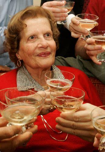 maria  altmann pursuer  family klimts dies