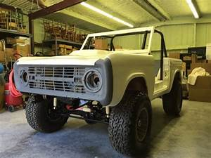 66-77 Ford Bronco Custom 4x4  Lifted  New Body  Chassis Complete  Many New Parts