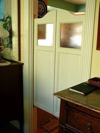 saloon doors     windows    closet