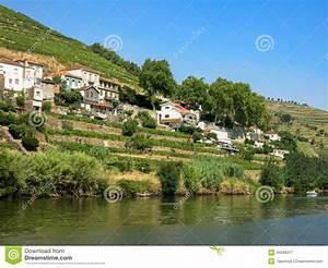 Fluss In Portugal : duero fluss in regua portugal lizenzfreie stockfotografie bild 34049217 ~ Frokenaadalensverden.com Haus und Dekorationen
