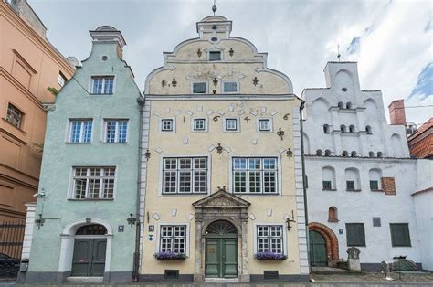 Trīs brāļi | House styles, Riga, Mansions