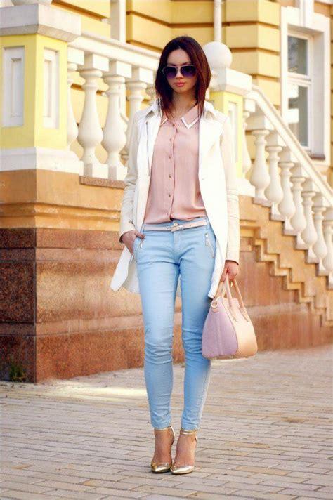 17 mejores ideas sobre Pantalones De Color Azul Claro en Pinterest | Trajes de chaqueta blanca ...