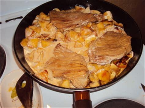 cuisiner des escalopes de veau escalope de veau normande recette iterroir