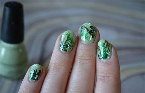 Spring Green Leaf Nail Art & Tutorial